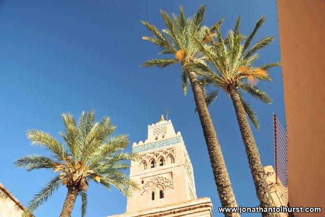minaret-with-palms
