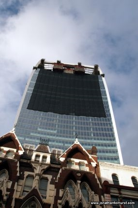 A temporary fix for the walkie talkie building