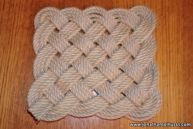 Square Knot Mat